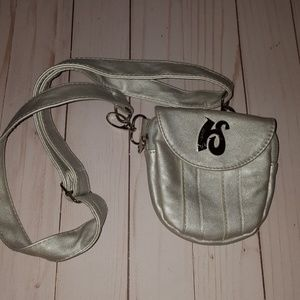 Hipzbag Fannie pack silver vinyl vegan